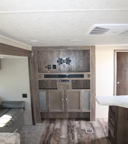 2018 Palomino Puma 32RBFQ Travel Trailer Bunkhouse 3 Slides W/D Prep Large Master Bedroom Outside Kitchen and Shower Electric Jacks Duncan SC