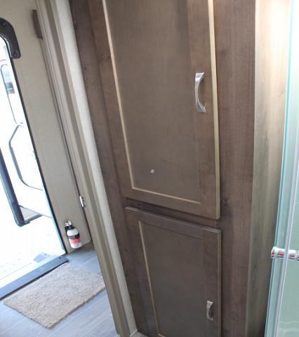 2018 Palomino Puma31BHQB Travel Trailer Bunkhouse 2 Slides Outside Kitchen Stainless Appliances Residential Fridge 2 A/C's Power Jacks Bike Rack Duncan SC
