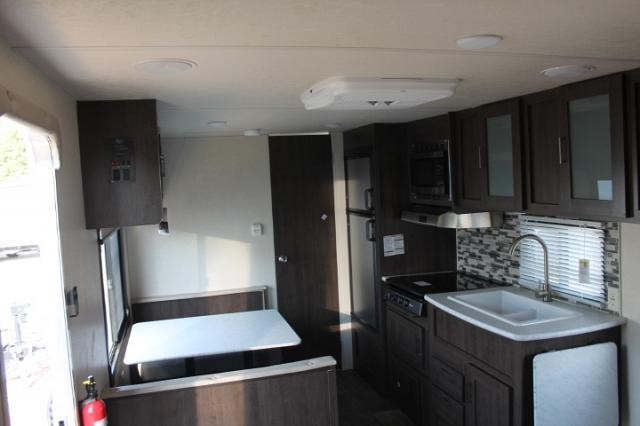 2018 Salem Cruise Lite 241QBXL Travel Trailer Rear Bath Lippert Solid Steps Power Jacks Great Couples Camper Duncan SC