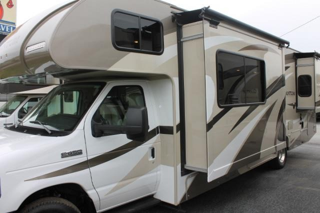 2018 Thor Quantum RQ29 Class C Gas Motorhome Ford Chassis and Engine 1  Slide w/Topper Onan Generator Heated Mirrors w/Camera Backup Camera 3 TV's  Auto