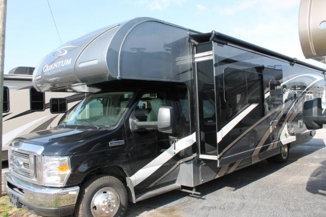 2018 Thor Quantum WS31 Class C Gas Motorhome Ford Chassis and V10 Full Body Paint 1 Super Slide w/Topper Residential Fridge Convection Microwave Induction Stovetop 3 TV's Onan Generator Duncan SC