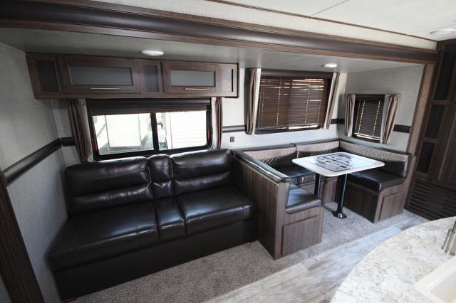 2018 Zinger 331bh Rear Bunkhouse W Bathroom Amp 2nd Entry Fireplace U Shaped Dinette Kitchen