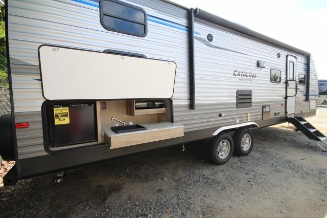 2019 Catalina Legacy Edition 293QBCK Rear Quad Bunk House One Slide Outside Kitchen U-Shaped Dinette CONCORD NC