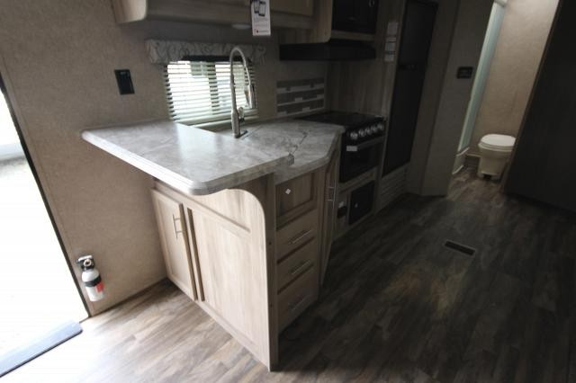2019 Coachmen Catalina Legacy Edition 243RBS Rear Bath One Slide Kitchen Bar Booth Dinette Fireplace Corner Radius Shower Nice Floor Plan CONCORD NC