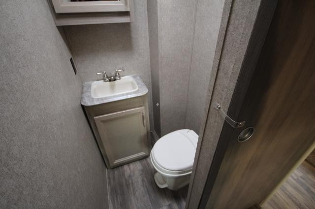 2019 Coachmen Catalina Legacy Edition 313DBDSCK Rear Bunk House W/ Half Bath Fireplace Booth Dinette Corner Radius Shower Storage Space Solid Steps Outdoor Kitchen CONCORD NC