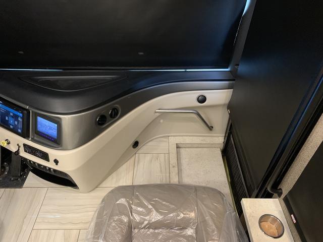 2019 Fleetwood Discovery LXE 40D Triple Slide Diesel Class A Motorhome Duncan SC