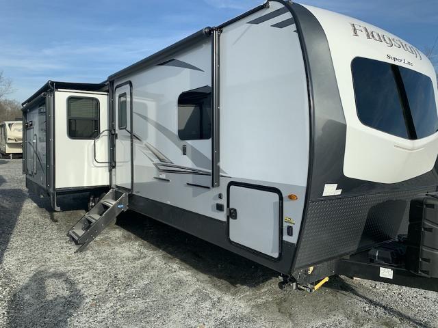 2019 Forest River Flagstaff Classic 29RSWSD Triple Slide Rear Living Travel Trailer Duncan SC