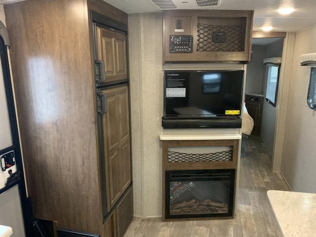 2019 Forest River Flagstaff Micro Lite 25FKS Single Slide Front Kitchen Travel Trailer Duncan SC