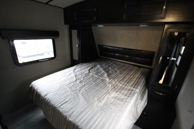 2019-Grand-Design-Imagine-2670MK-Double-Slide-Mid-Kitchen-Travel-Trailer-Duncan-SC-12794-74627.jpg
