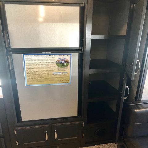 2019 Grand Design Imagine 2850MK Single Slide Middle Kitchen Travel Trailer 2 A/C's Duncan SC