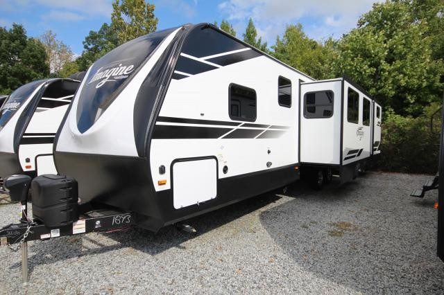 2019 Grand Design Imagine 3170BH Rear Bunk House 2 Slides 2 Entries Outside Kitchen Theatre Seating U-Shaped Dinette Pet Friendly Middle Bathroom Very Nice CONCORD NC