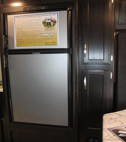 2019 Grand Design Imagine XLS 19RLE Rear Kitchen U-Shaped Dinette Murphy Bed LED Lighting Stainless Steel Appliances Sleeps 4 Luxury CONCORD NC