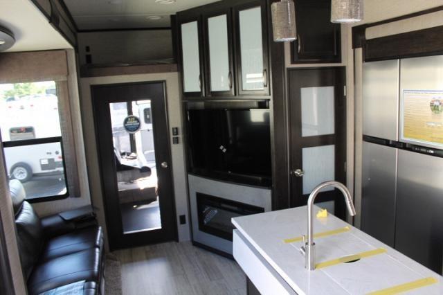 2019 Grand Design Momentum M-Class 351M Luxury Toy Hauler Patio Set Up ONAN Generator 1 1/2 Bath W/D Prep Fireplace 4 Seat Sofa CONCORD NC