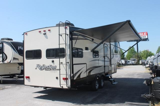2019 Grand Design Reflection 273MK 150 Series 5th Wheel Camper Mid Kitchen 1 Slide Theater Seating 2nd A/C Prep Outside Kitchen Queen Bed Large Wardrobe Duncan SC
