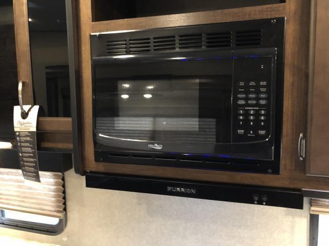 2019 Grand Design Reflection 273MK 150 Series Single Slide Middle Kitchen Fifth Wheel Duncan SC