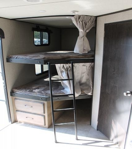2019 Grand Design Transcend 27BHS Travel Trailer Bunkhouse 1 Slide Outside Kitchen Theater Seating Queen Bed Pet Bowl Drawer Duncan SC