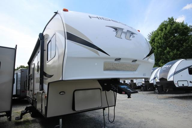 2019 Hideout FW 262RES Rear Entertainment One Slide Free Standing Dinette Plenty Of Storage Outside Kitchen Nice Layout CONCORD NC