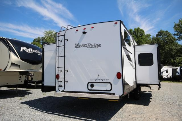 2019 Mesa Ridge 328BHS Rear Bunk House 4 Slides Super Sofa With Table Kitchen Island Large Fridge King Bed CONCORD NC