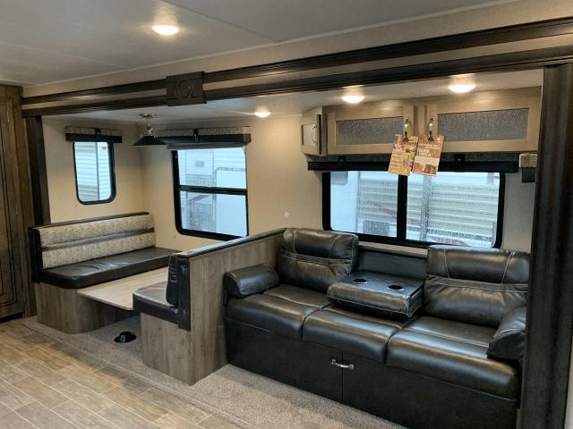 2019 Palomino Puma 28RKSS Single Slide Rear Kitchen Travel Trailer Duncan SC