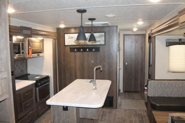 2019 Palomino Puma 32BHKS Travel Trailer Bunkhouse 3 Slides 2 A/C's Outside Kitchen w/Induction Cooktop Bike Rack Large Fridge Power Jacks Duncan SC