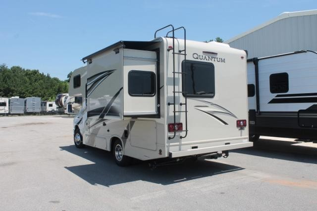 2019 Thor Quantum GR22 Class C Gas Motorhome Ford Chassis and V10 1 Slide 2 TV's Onan 4000 Generator Full Kitchen Queen Bed Backup Cam Duncan SC