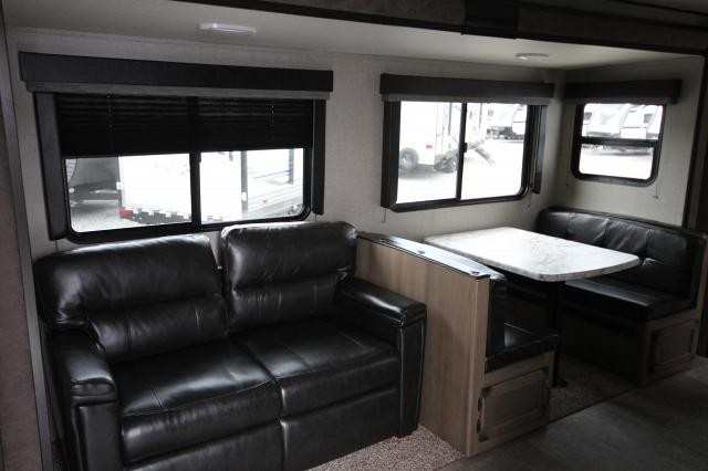 2019 Transcend 32BHS Rear Bunk House 1 Slide Outdoor Kitchen 2 Entries Booth Dinette Full Shower Modern CONCORD NC