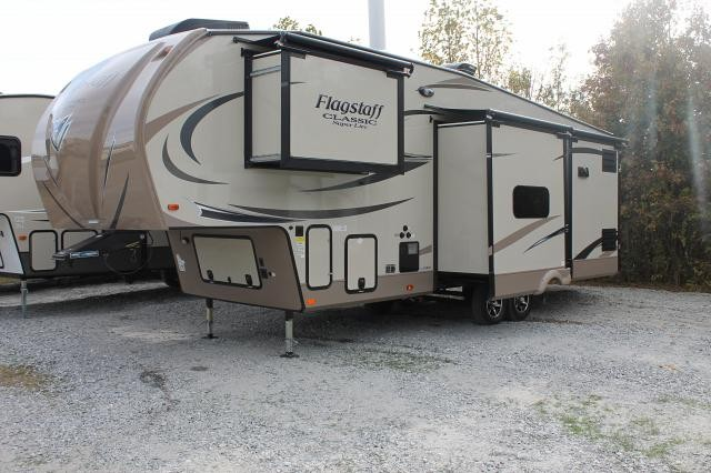 Flagstaff 8529BRWS Fifth Wheel This 4 Slide Can Be Towed By Shortbed Is Under 9000 Pounds AUTO LEVEL Toppers 2 A C Hi Gloss